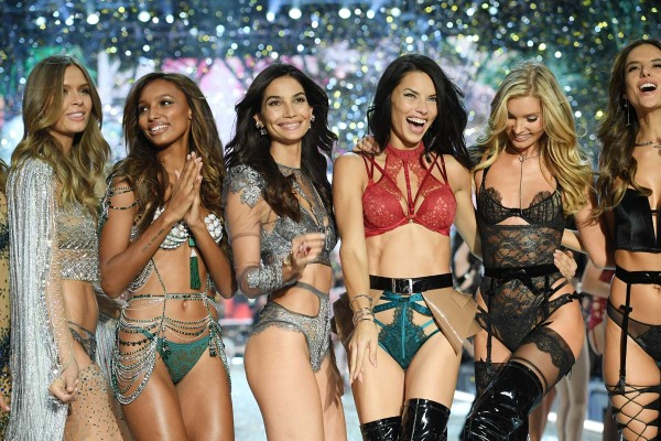 PARIS, FRANCE - NOVEMBER 30:  Josephine Skriver, Jasmine Tookes,Lily Aldridge,Adriana Lima, Lily,Elsa Hosk and Alessandra Ambrosio walk the runway during the 2016 Victoria's Secret Fashion Show on November 30, 2016 in Paris, France.  (Photo by Dimitrios Kambouris/Getty Images for Victoria's Secret)